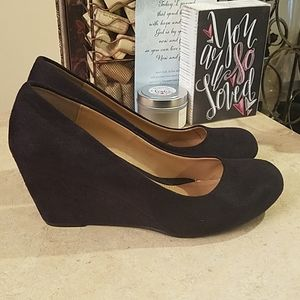 CL by Laundry Wedges size 7.5